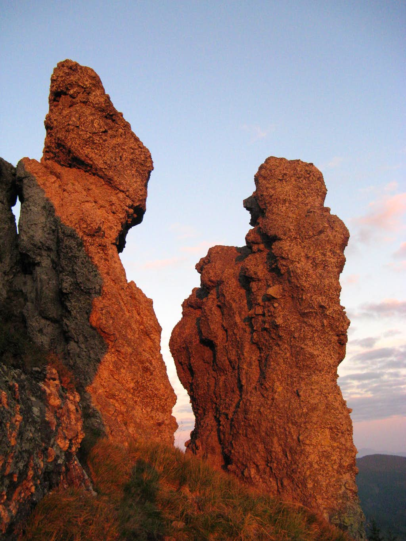 Volcanic figures