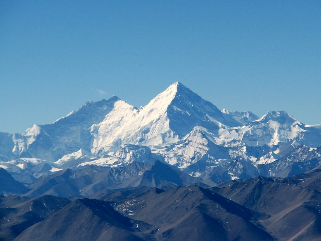 Everest-Lhotse massif from the NE