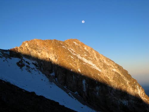 Moon over Chachani, early in the morning