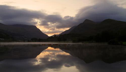 Morning mist, Snowdonia