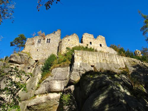 The castle ruins on Mount Oybin