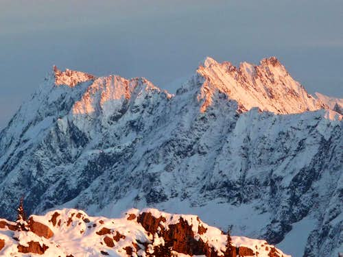 Alpenglow on Magic Mountain and Mixup Peak
