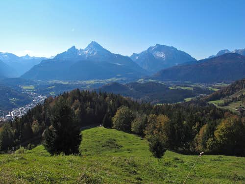 Autumn panorama from the Kneifelspitze trail