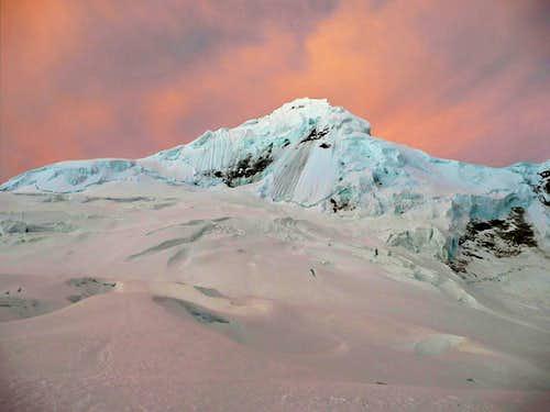 Alpenglow on Tocllaraju