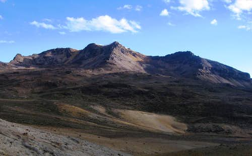 Nevado Huarancante panorama from the northeast
