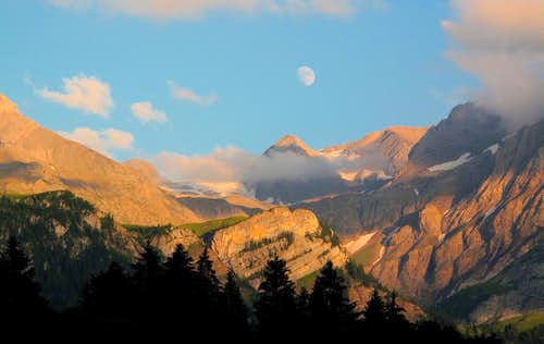 Moon and evening light above the Wildhorn group