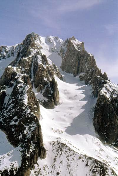 Closer view at the aiguille...