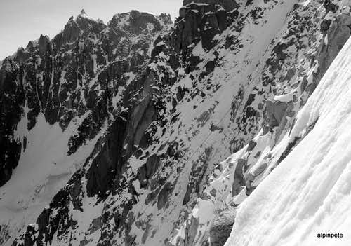 Steep chutes between the Frendo and Mallory