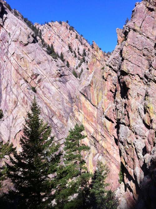 Beautiful rocks to be climbed in El Dorado Canyon