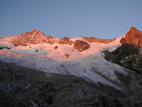 Zinalrothorn and Trifthorn in evening pink