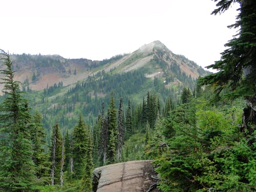 Tahtlum Peak from PCT