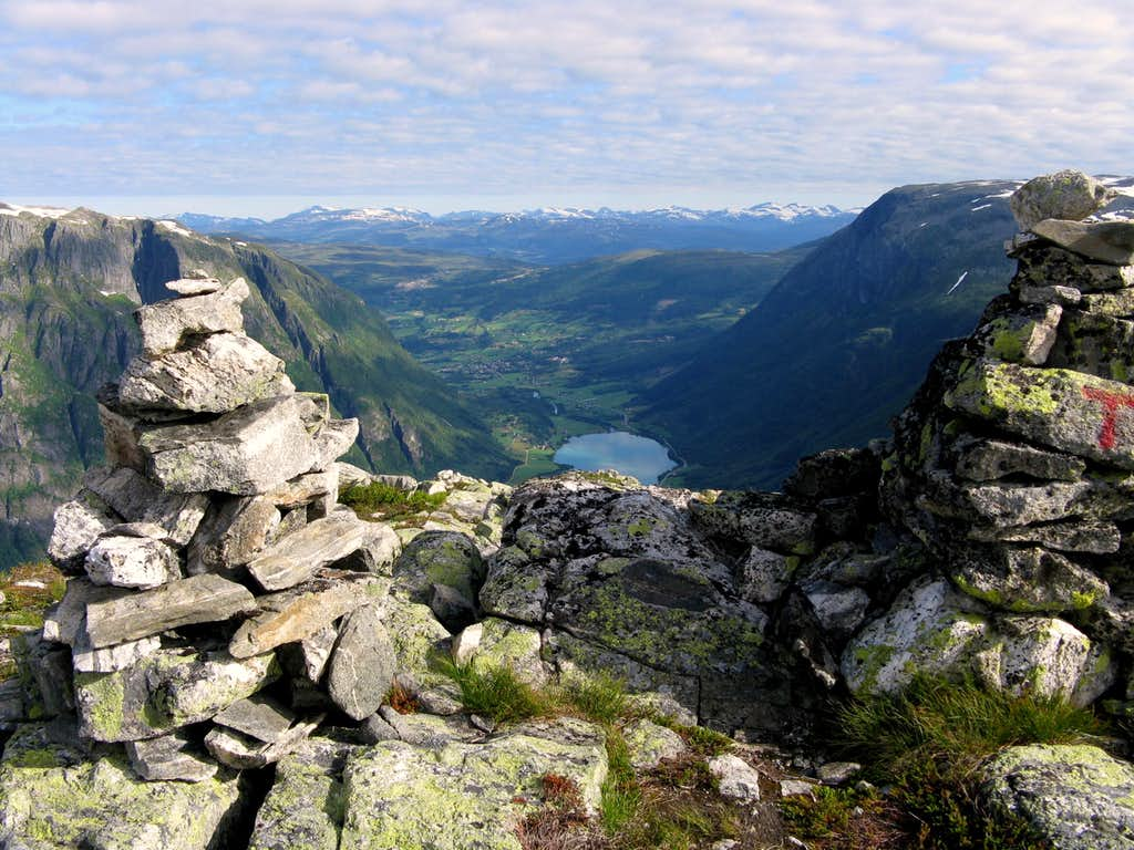 Eggjenibba summit ridge