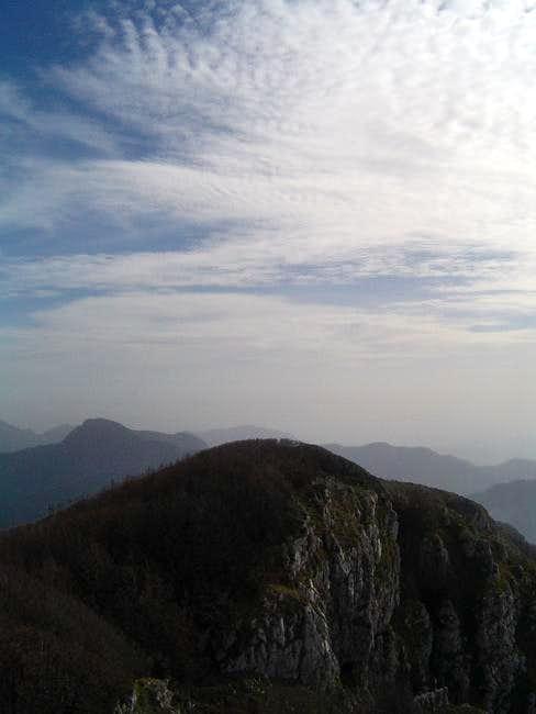 The summit ridge of Monte...