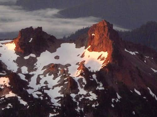 Sunrise on the Tatoosh
