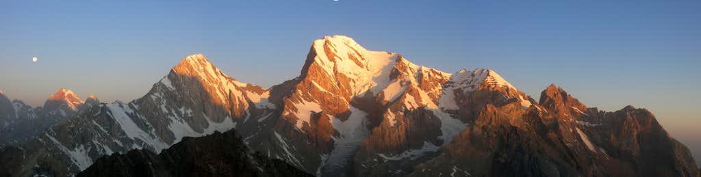 Alpenglow on Chimtarga