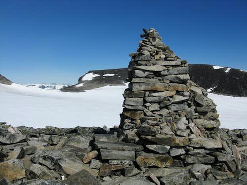 Galdøppigen Styggebreen Route huge cairn
