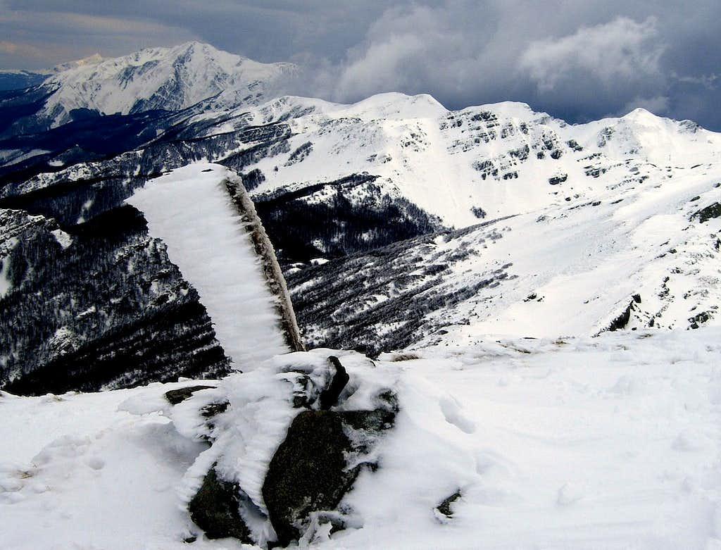 Rocca Pianaccia summit in winter time