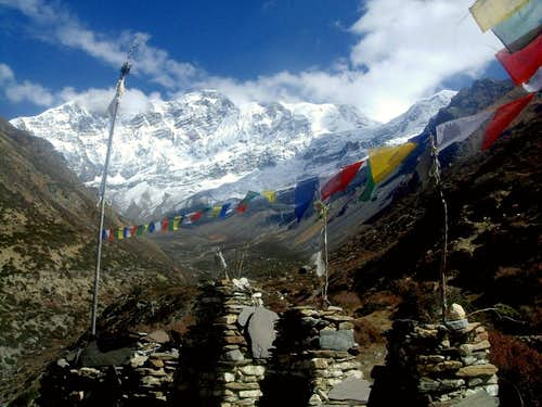 Annapurna trail - View towards Annapurna Range