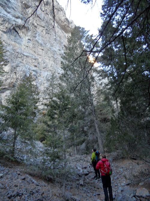 More Middle Canyon cliffs