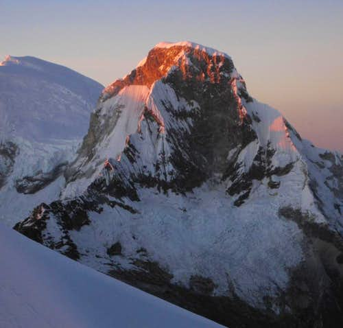 Sunrise on Huascarán Norte