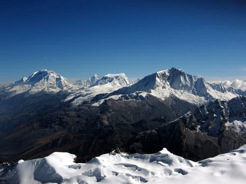 Central Cordillera Blanca seen from Vallunaraju summit