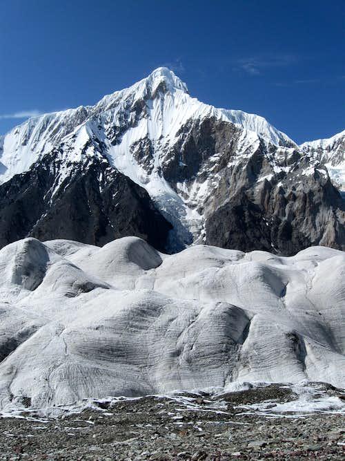 Unknown 6500+ peak in Sarydzhaz Mountain Range