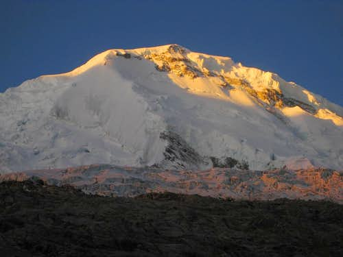 Last light on Huascaran Sur