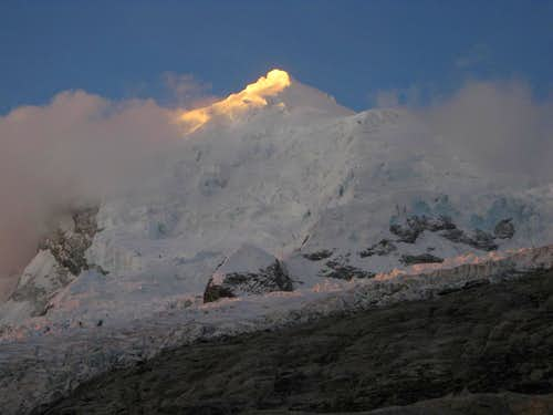 Last light on Huascaran Norte