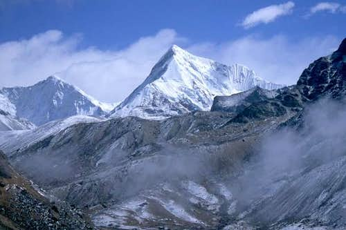 Baruntse (7129m) is the peak...