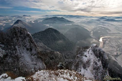 Where Dunajec river meanders...