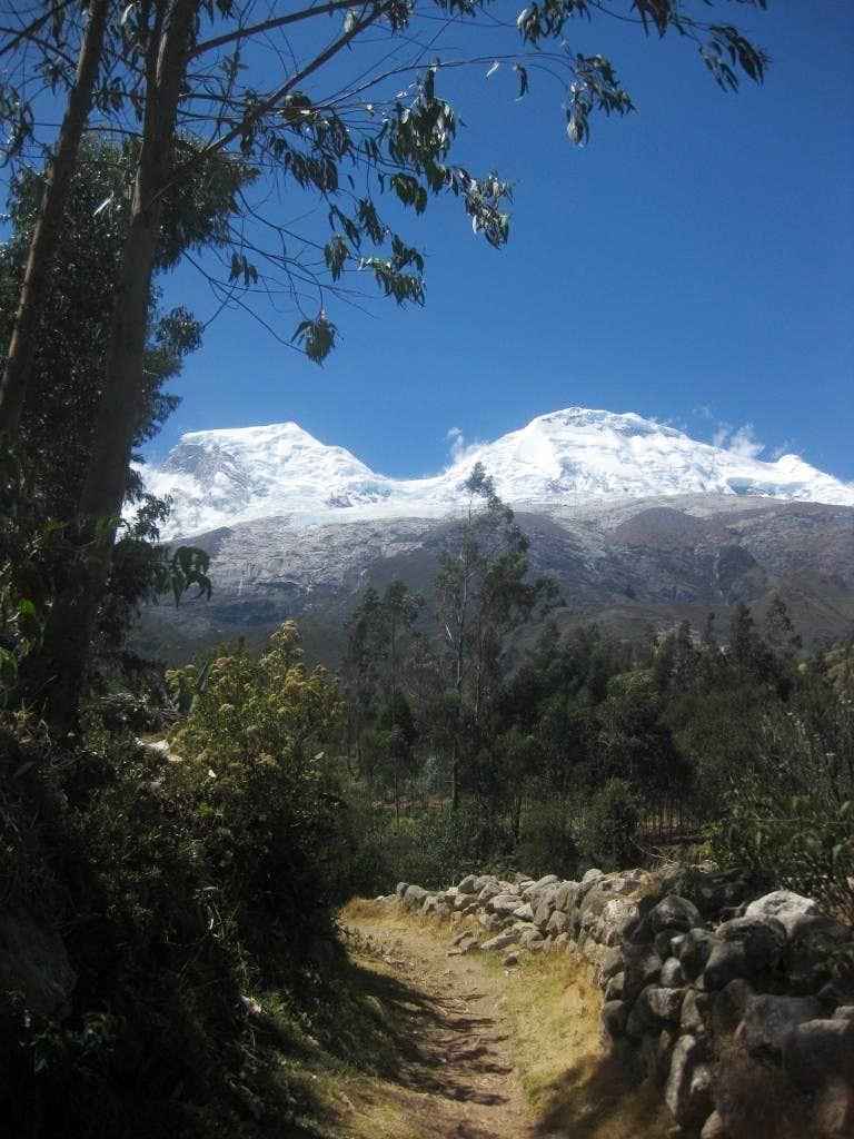 Huascarán from the trail near Musho