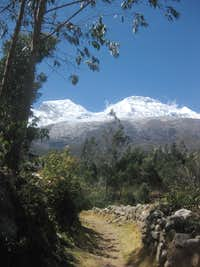 Huascarán from the trail near Musho