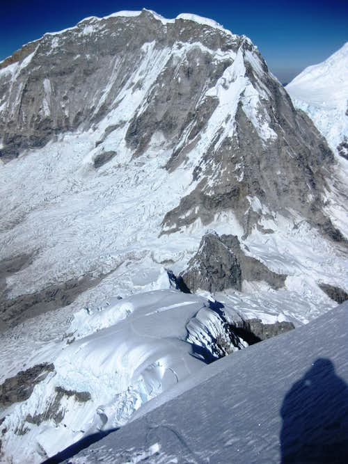 The E face and NE ridge of Huascarán Sur from Chopicalqui