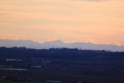 The Pyrenees seen from the neighborhood  of Marmande, some 200km further North