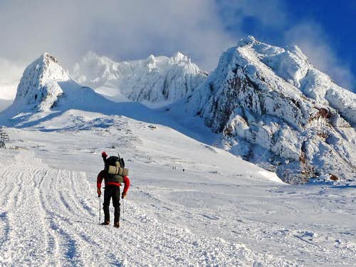 Approaching Mount Hood