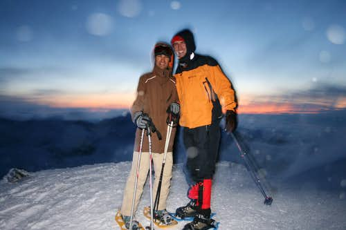 Quick ascent before dinner, with the sunset behind - and even a quicker picture, before to get blown away by the wind!!