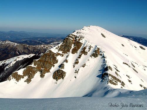 Monte Orsaro seen from Monte Braiola