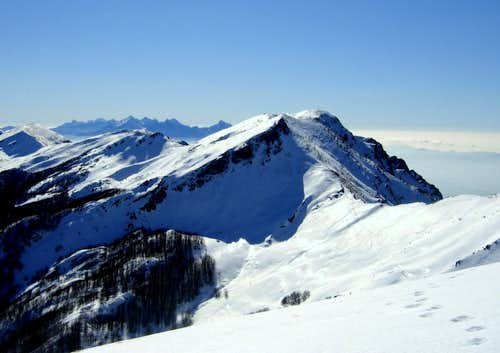 A winter image of Monte Marmagna