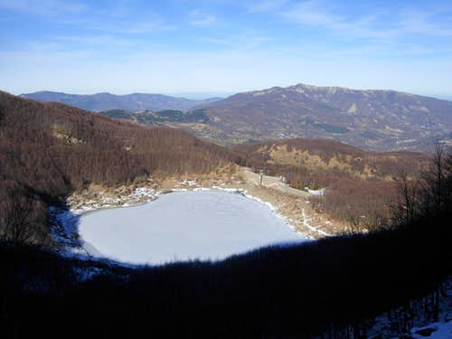 Lago Verde (Green Lake) in early winter