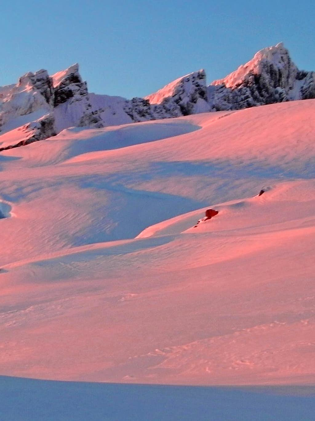 Alpenglow on the Black Buttes