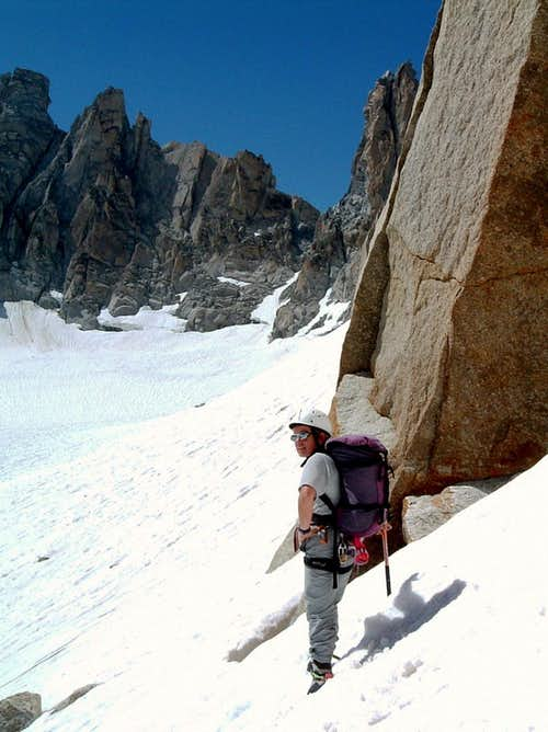 Aiguille de la Varappe - Skirting the wall