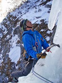 Ice climbing - Cascade de Bonatchiesse 4th pitch