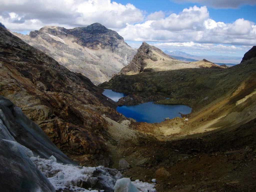 The two small glacial lakes south of Vallunaraju