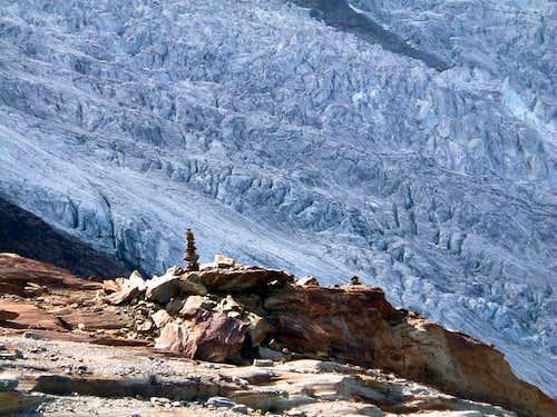 The iper-crevassed Feegletscher