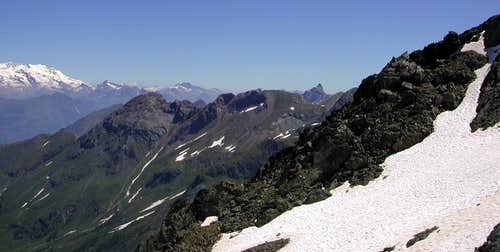 Grand Avert-Devil's Great Ridge & Punta Plan Rué from South to North