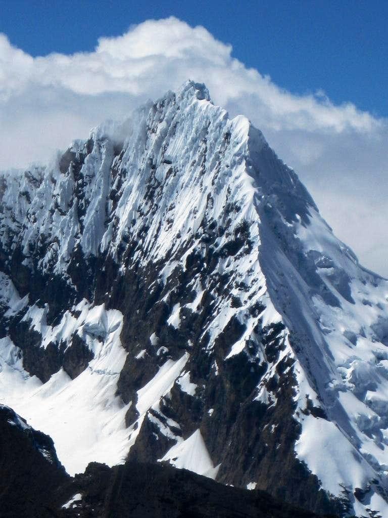 Nevado Tullparaju (5787m) from Nevado Jatunmontepuncu (5415m)