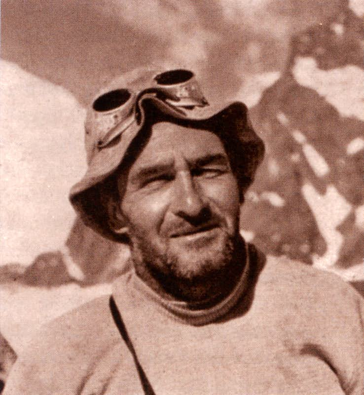 A portrait of Gino Soldà at K2