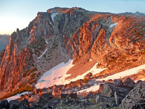 Alpenglow from Aasgard Pass
