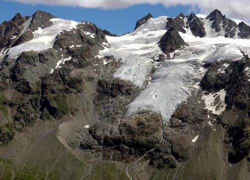 The ridge with Punte Patri and Gruppo degli Apostoli from the facing Leonessa bivouac