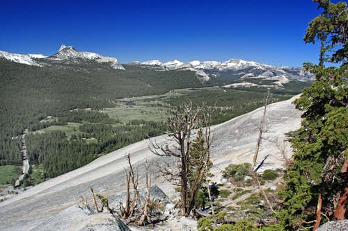 West over Tuolumne Meadows from Lembert Dome